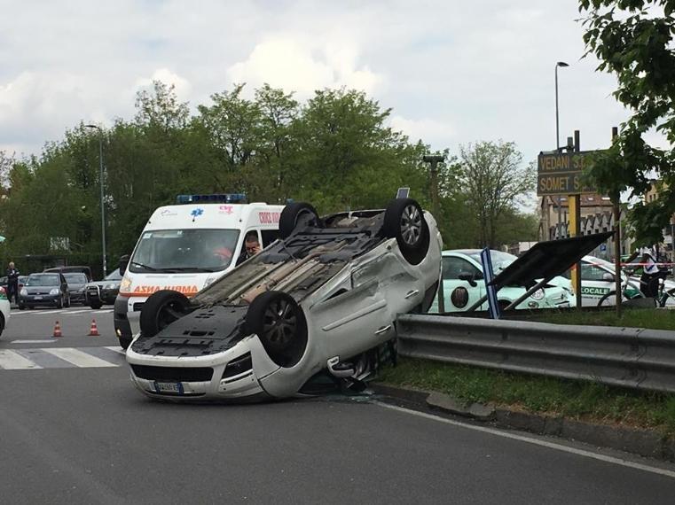Cavalcavia del Ghisallo, colpito in scooter da ruota: gravissimo 39enne