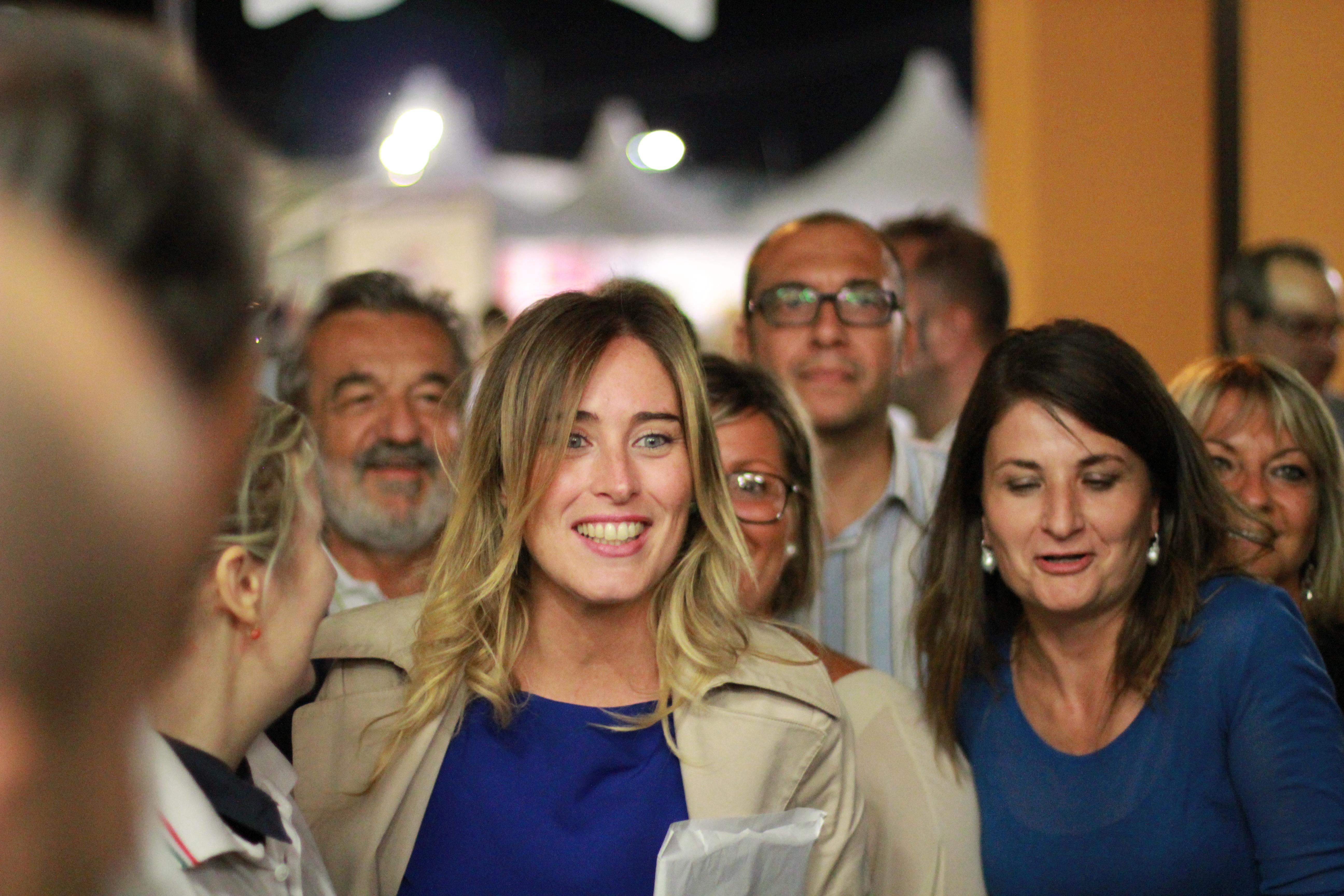 Banca Etruria Scandalo Derby De Bortoli Boschi Ma Ghizzoni Che Fa